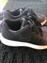 Girls 12 Under Armor shoes Canton, 61520