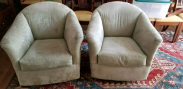 PAIR of great chairs!