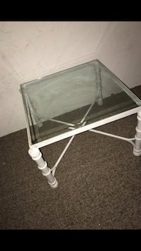 Glass coffee/side table