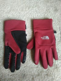 pair of red-and-black gloves Alexandria, 22306