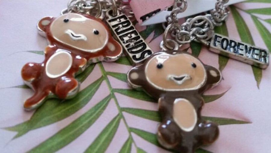 2 CHAINS WITH MONKEY CHARMS  FOR 2 FRIENDS 9f1c7797-588e-48dd-8bc9-d96d8575b1fb