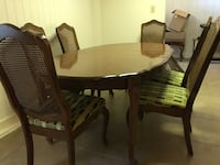 Dining table with 6 chairs Shreveport, 71119