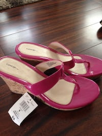 New pink wedges sz 9 North Cowichan, V0R