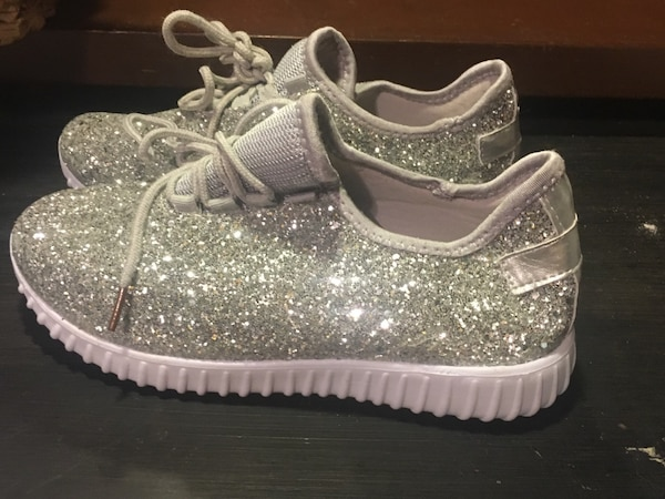 New silver glitter shoes size 8