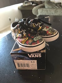 Size 6 Star Wars toddler shoes  Perris, 92570