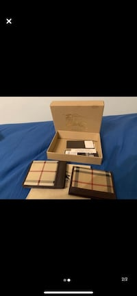 Two Authentic 10/10 condition Burberry wallet Richmond Hill, L4C 8Y3