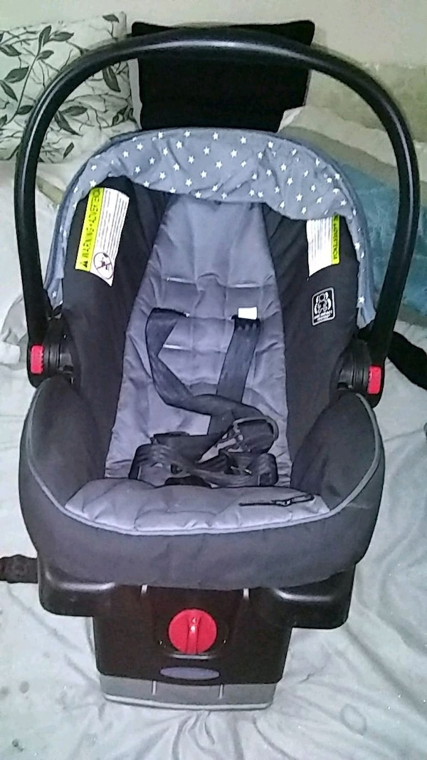 d0ddacc5c08 Used baby s black and gray car seat carrier for sale in Queens - letgo