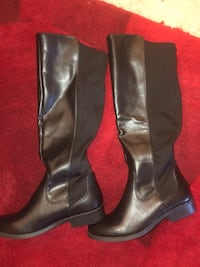 Women boots size7 Annandale, 22003