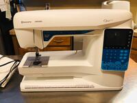 Viking Opal 650 Sewing Machine Chantilly, 20151