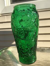 VINTAGE MINT CONDITION TIARA EXCLUSIVES COLLECTIBLE VASE Crown Point, 46307