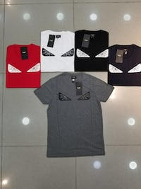 cinq t-shirts assortis