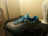 pair of black-and-blue running shoes Allentown, 18102