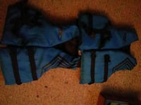2 youth size life jackets brand new bought the wrong size