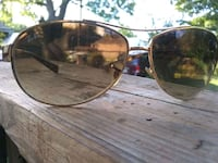 Pair of Ray Ban shades real deal ones Louisville, 40211