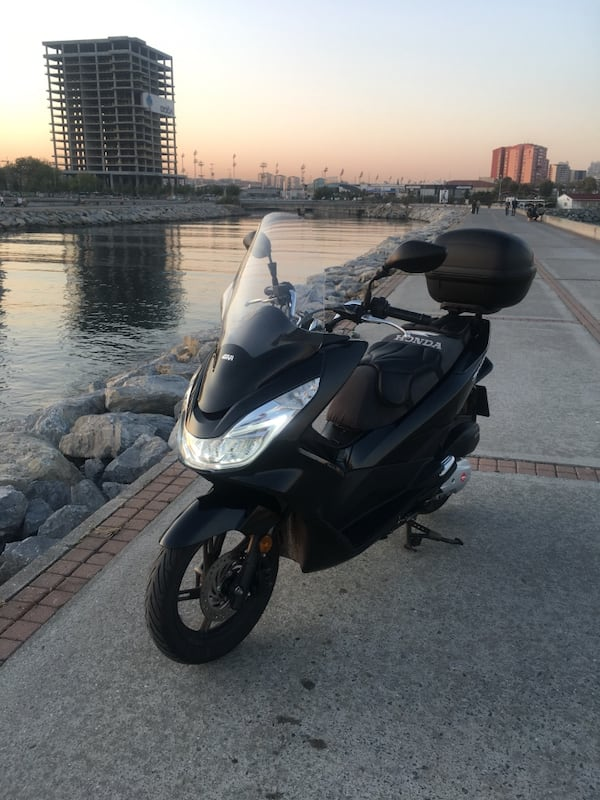 Honda Pcx 150 cc 2016 model 27.000 km 9