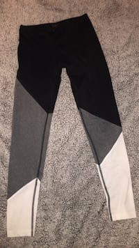 Black, white, gray full length workout/yoga leggings size small Greenville, 27834