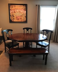 Beautiful Farmhouse Style Table, Chairs and Bench Bowling Green, 42104