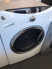 white front-load clothes washer Woodbridge, 22192