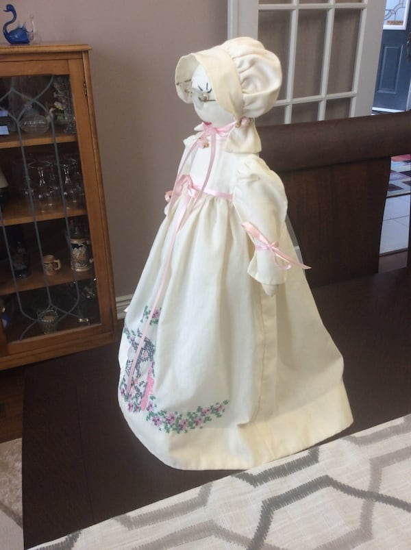 Cloth Doll with Stand d29d737c-86f7-469a-8670-21c3b84038a0