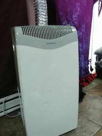 gray and white air cooler