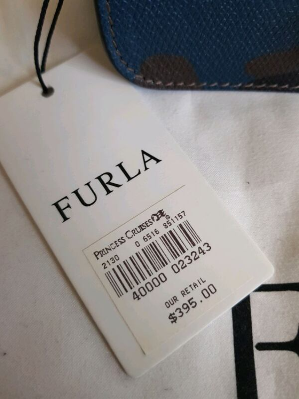 New Furla Mini Crossbody Bag 7b9ec519-cc7f-4514-bbd1-9206e33a8f47