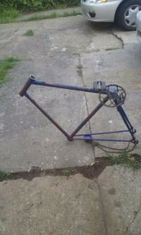 Road bike frame New Orleans, 70117