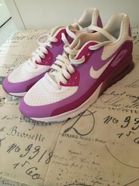Women's Air Max 90s Pink size 9.5