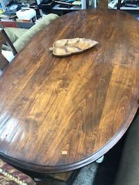 Beautiful solid wood dining room table with the white legs shabby chic cheap Los Angeles, 90032