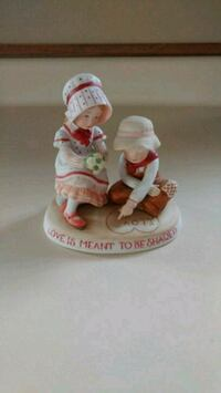 Holly Hobbie 1981 - Love is Meant to be Shared Burlington