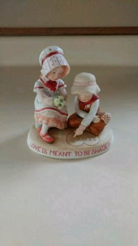 Holly Hobbie 1981 - Love is Meant to be Shared