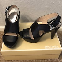 Michael Kors sandals Costa Mesa, 92627
