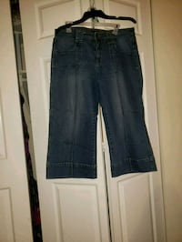 Dark Blue Capri Jeans Fort Washington