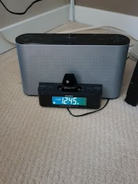 Sony clock radio/iPhone or Android player Vancouver, V6B 3P3