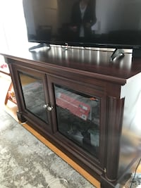 TV stand with storage Toronto, M5J 0A3