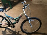 White and blue hardtail mountain bike Lincoln, 62656