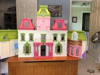 Fisher Price doll house West Grove, 19390