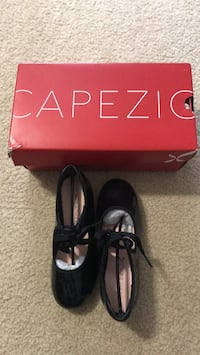 Capezio Dance Tap shoe child Jr black like new condition only worn indoor size PAT 12M  Williamsburg, 23188