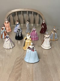 Franklin mint porcelain full set Belles of the Masquerade 1983 with display wooden shelve Poughkeepsie, 12601