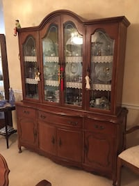 Dining room set(China cabinet,table and 6 chairs) Markham, L3T 1Y9
