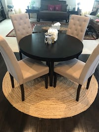 Crate and barrel table. Excellent condition like new. Ashburn