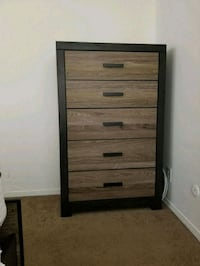 Five drawer chest Los Angeles, 91306