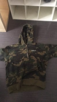 Camo obey hoodie Spruce Grove, T7X 1H2