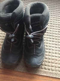 Columbia winter boots size 6
