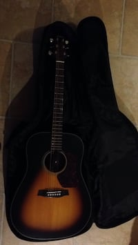 Black classical guitar with gig bag North Bay, P1B 2W2
