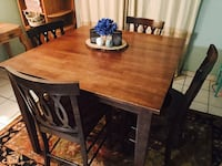 Dining room table all wood  Miami, 33172