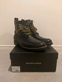 Saks Fifth Ave winter boot Pickering
