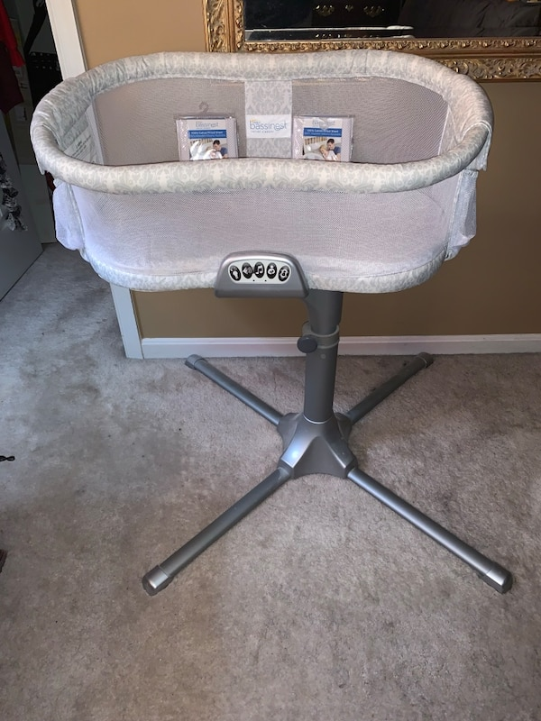 Halo Bassinest Premiere Baby Bassinet