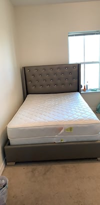 Full Size HEADBOARD AND FRAME w SLATS New Orleans, 70125