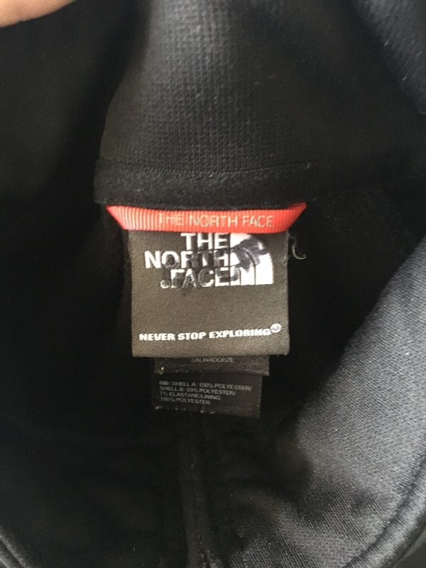 North Face sweater men S 3432772f-f744-4ab1-ab10-90a0420344d6