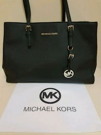 Gorgeous Michael Kors handbag  Whitby, L1N 8X2